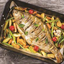 Prieš šventes suaktyvėjanti karpių prekyba: kas svarbiausia renkantis žuvį?