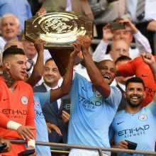 "Anglijos futbolo Supertaurę iškovojo ""Manchester City"""