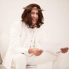 Dievą įkūnijusio E. Dragūno pažadas – aukotis publikai