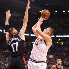 """NBA: J. Valančiūnas su """"Raptors"""" nusileido """"Nuggets"""""""
