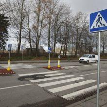 Pėsčiųjų perėjoje Vilniaus rajone moterį partrenkė neblaivi vairuotoja