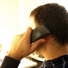 Telefoniniai sukčiai išviliojo tūkstantį eurų