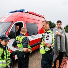 Išlaidos: šeštadienį gelbėtojai skubėjo nukelti ant molo galo nuėjusį ir atgal grįžti nesugebėjusį jauną piromaną.