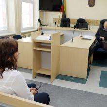Priminimas: A.Varnienė su apmaudu kalbėjo apie dešimtmečius neužgyjančią netekties žaizdą.