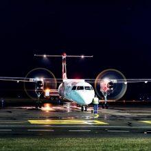 Pasieniečiams teko tramdyti neblaivų lėktuvo keleivį