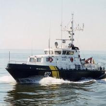 Pasieniečiai jūroje gelbėjo paklydusius girtus žvejus