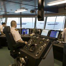 Laivuose paliekami tūkstančiai jūrininkų
