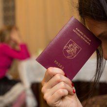 """Kauno teismas įpareigojo lietuvės vaikų pasuose pavardę rašyti su """"w"""""""