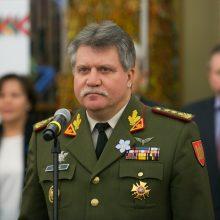 J. V. Žukas sako, kad svarstytų privalomą moterų šaukimą į kariuomenę