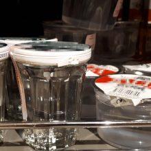 Tyrimas: degtinę plastikiniame indelyje gėrė kas trečias girtaujantis