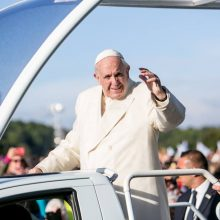 Minios žmonių suplūdo į Santaką, atvyko popiežius Pranciškus (papildyta)
