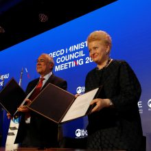 D. Grybauskaitė Seimui pateikė ratifikuoti EBPO sutartį
