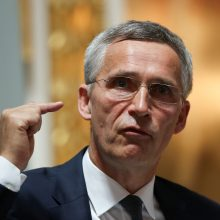 J. Stoltenbergas: Rusija neturi teisės spręsti, ką daro jos kaimynės