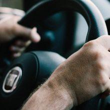 Vairavimo naujovės užsienyje: kas šiemet nustebins Lietuvos vairuotojus?