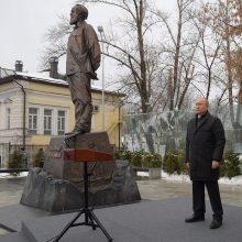 V. Putinas giria sovietų disidentą A. Solženicyną