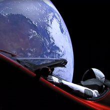 """Kas dabar nutiks su į kosmosą iškeltu """"Tesla Roadster""""?"""