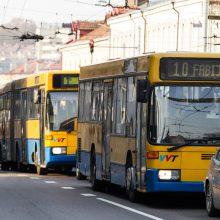 Kodėl Vilniaus autobusai įvairiaspalviai, o Kauno troleibusai tik žali?