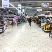 Vilniaus prekybos centruose sulaikyti vagystėmis įtariami žmonės