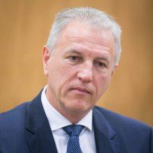 Korupcija įtariamas Santaros klinikų vadovas K. Strupas atsistatydina