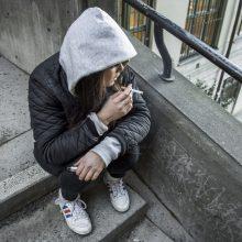 Švedija imasi veiksmų uždrausti rūkymą lauke