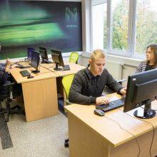 Į studijų procesus verslo įmonės įsitraukia ne tik dėl specialistų poreikio