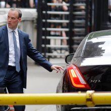 """Britanijos """"Brexit"""" sekretorius neigia, kad išstojimo planas """"nebegyvas"""""""