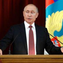 V. Putinas pasmerkė JAV jėgas, pasirengusias paaukoti Rusijos ir Amerikos santykius