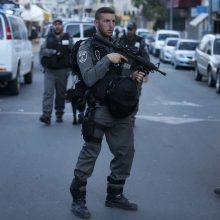 Izraelio policininkai Jeruzalėje nušovė juos su peiliu puolusį arabą