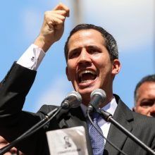 Venesuelos parlamento pirmininkas pasiskelbė šalies prezidentu