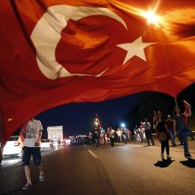 Turkijoje 28 kariai dėl pučo nuteisti kalėti iki gyvos galvos