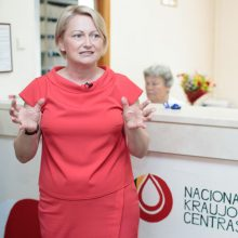 Latvijos sveikatos ministrė patvirtino, kad ją apklausė STT