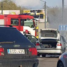 "6-ojo forto žiede užsiliepsnojo automobilis ""Saab"""