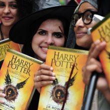 Garsiausiam pasaulyje berniukui burtininkui Hariui Poteriui sueina 20 metų