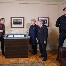 Signatarų namuose pradedamas eksponuoti Nepriklausomybės Aktas
