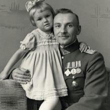 Mažoji Edita su tėčiu J. Zaborskiu