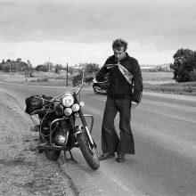 Ketveri R. Požerskio metai prie motociklo vairo