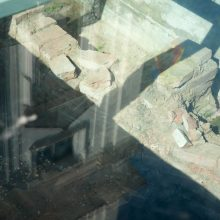 Vandalams užkliuvo Rotušės aikštės puošmena
