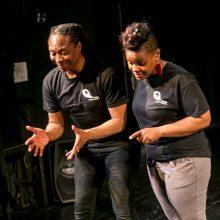 Teatras įrodė: bendrauti ir pažinti kalba nebūtina