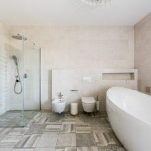 Vonios kambario interjerui lietuviai skiria vis daugiau dėmesio: svarbios net detalės