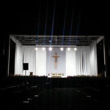 Į Santaką rinkosi pasiruošusieji popiežiaus laukti per naktį