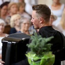 Skarulių muzikos festivalis prasidėjo su gausiomis publikos ovacijomis
