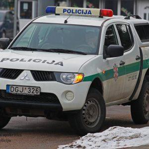Policijos patruliai Vilniaus rajone gelbėjo dūstančią mažametę mergaitę