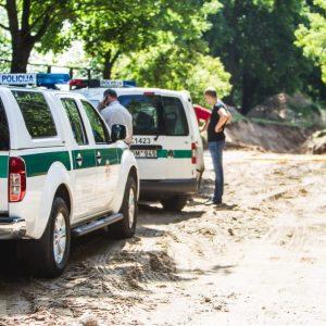 Aiškėja žmogžudystės Tauragės rajone detalės: buvo šaudyta ir į pareigūnus