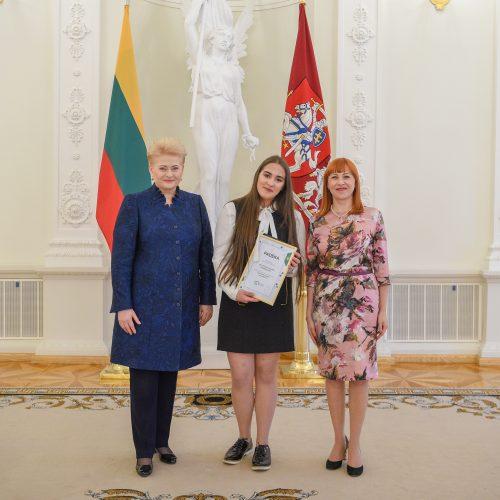 Nacionalinio diktanto konkurso laureatų apdovanojimai