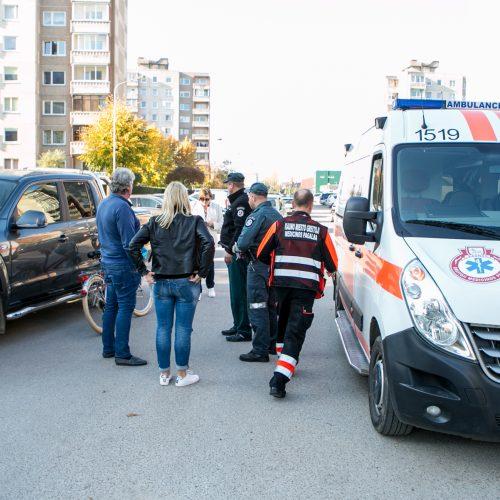 Reidas Kaune su nežymėtu policijos automobiliu  © Vilmanto Raupelio nuotr.
