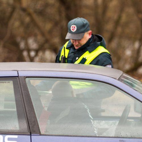 Policijos reidas Piliakalnio gatvėje  © Laimio Steponavičiaus nuotr.