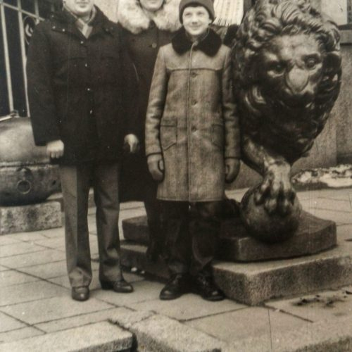 Tradicija – foto prie Karo muziejaus liūtų <span style=color:red;>(daugiau kaip 250 foto)</span>  &#169; Akcijos dalyvių nuotr.