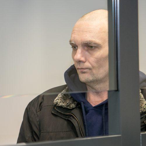 Kirgizijos piliečio, kaltinamo kolegos nužudymu, teismas