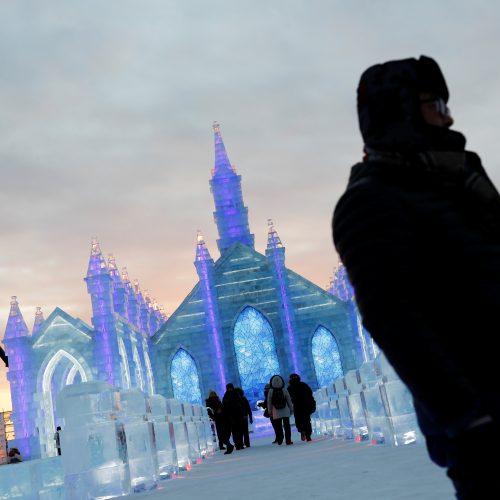 Tradicinis ledo ir sniego skulptūrų festivalis Kinijoje  © Scanpix nuotr.