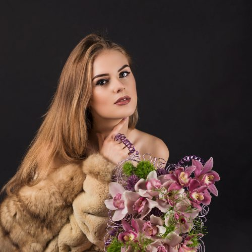 Stilizuota gėlių kuprinių kolekcija  © Organizatorių nuotr.